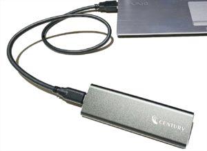 センチュリー 裸族のM.2 NVMe SSD ケース 接続